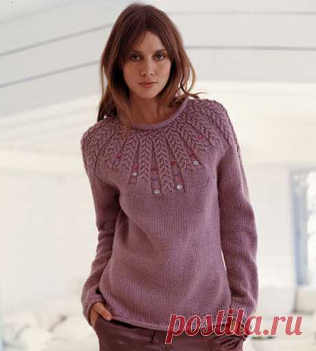 PULLOVER WITH THE ROUND COQUETTE SPOKES FROM BERGERE de FRANCE