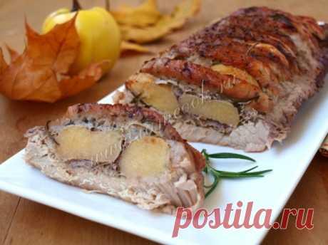 Свинина запечённая с айвой, рецепт. Запекаем свинину с айвой в духовке.