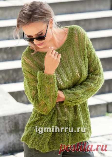 Зеленый мохеровый пуловер oversize. Вязание спицами