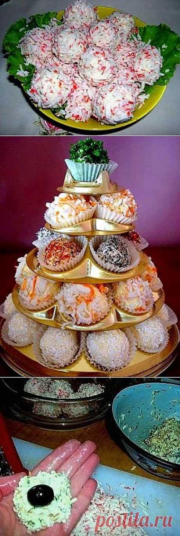 """Сырные шарики """"Рафаэлло"""" Вкусная и эффектная закуска - Простые рецепты Овкусе.ру"""