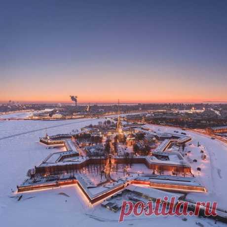 Бесконечный зимний Петербург