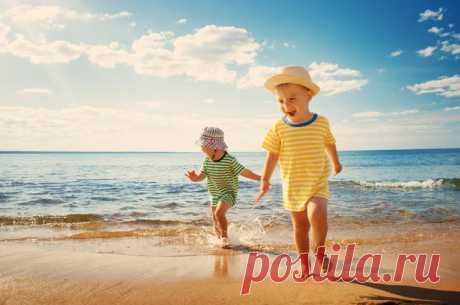 С какого возраста лучше всего везти ребёнка на море?