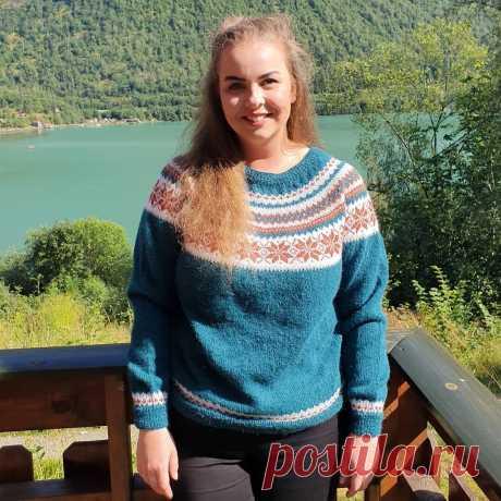 Как вяжут полные иностранки свитера Лопапейса. Может не стоит выбирать такой фасон | Модели для пышных дам | Яндекс Дзен