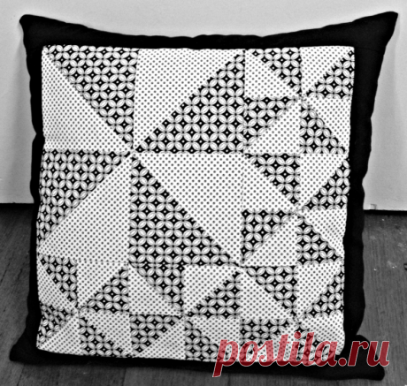 Free Quilt Pattern: Pinwheel Cushion • I Sew Free This pattern uses a variety of simple pinwheels to create this gorgeous piece of eye-candy.  Download