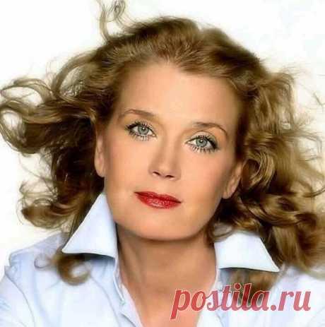 13 марта свой день рождения празднует великолепная  Ирина Алферова ----------------------------- Как сложилась судьба первой красавицы советского кино...