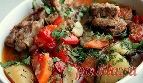 Одно из самых ленивых блюд кавказской кухни. Никогда не задерживается в холодильнике!