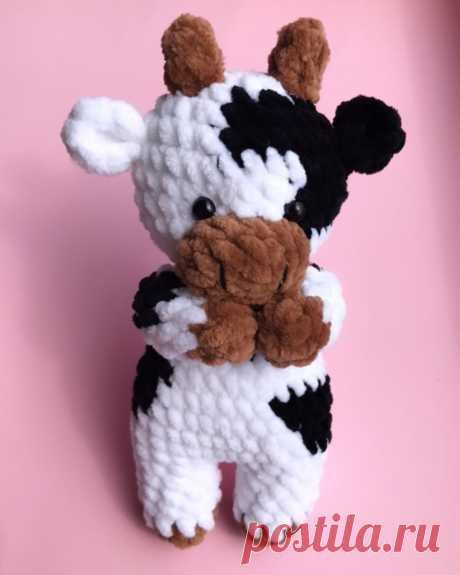Схема вязания маленького бычка крючком из плюшевой пряжи #амигуруми #вязанаяигрушка #игрушкикрючком #вязаныйбык #быккрючком #amigurumipattern #crochetpattern #amigurumibull #crochetbull