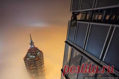 Красивые кадры с Шанхайского небоскрёба от двух русских экстремалов - Путешествуем вместе