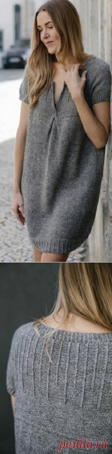 Вязание свободного платья спицами.