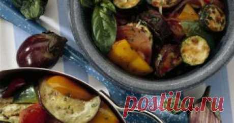 Баклажаны с перцем на зиму Не знаете, что делать с урожаем овощей? Как раз время заготовить баклажаны с перцем на зиму.