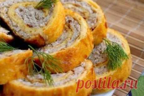 Закусочный куриный рулет в омлете   Ингредиенты:  Для омлета:  Сыр твердый 100 г.  Показать полностью…