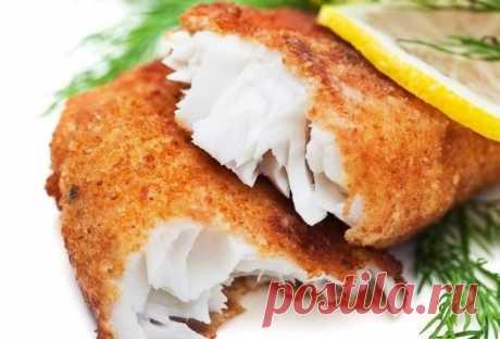 6 рецептов кляра для рыбы | приготовление 1. Рыба в сырном кляре Рыба в этом кляре получается очень вкусная и достаточно сытная. Ингредиенты: Филе рыбы – 200 г Майонез – 3 ст. л. Яйцо – 4 шт. Твердый сыр – 100 г Приготовление: Способ приготовления рыбы в кляре достаточно простой. Сыр натираем на крупной терке, смешиваем с яйцами и майонезом. Все тщательно перемешиваем, добавляем соль, перец и муку. Все снова перемешиваем. Берем филе рыбы, режем на небольшие кусочки, обмаки...