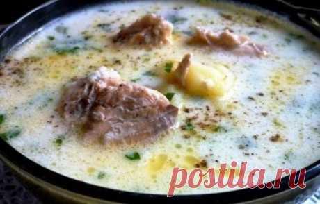Лёгкий суп из консервированной горбуши на 100грамм - 66.43 ккалБ/Ж/У - 4.06/3.01/5.85  Ингредиенты: Вода — 1 л Сливочный плавленный сыр — 100 г Консервированная горбуша — 1 банка Любимая зелень Картофель (почистить, помыть и нарезать) — 1 шт. Пшено (промыть) — 100 г Соль, перец по вкусу Оливковое масло — 1 ст. л. За рецепт спасибо группе Диетические рецепты  Приготовление: 1. Наливаем в кастрюлю воду, кладем пшено и картофель, доводим до кипения и варим минут 1...