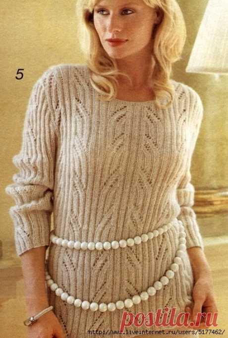 Пуловер в резинку с ажурными полосами