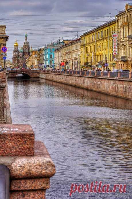 Канал Грибоедова   .        Как красиво! Обожаю этот город! Была 35 лет назад. Сейчас бы посмотреть.