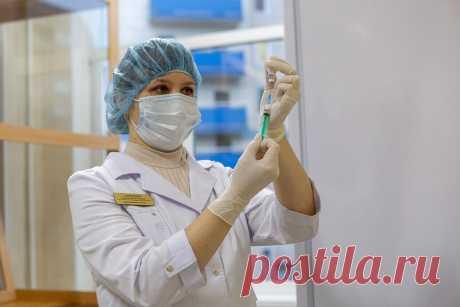 Ослабляет ли прививка от коронавируса иммунитет на самом деле: врач отвечает антипрививочникам