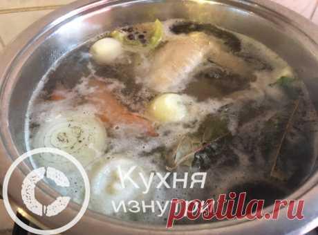 В какой воде варить курицу и другие продукты в горячей или в холодной. Разница есть   Кухня изнутри   Яндекс Дзен