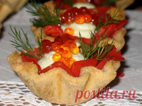 Хлебные корзиночки с копчёной горбушей и кремом из авокадо и риккоты рецепт с фотографиями