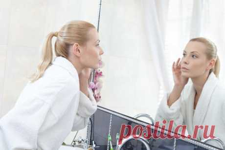 Как стимулировать выработку гиалуроновой кислоты в организме Будет ли кожа упругой, эластичной и свежей, во многом зависит от количества гиалуроновой кислоты. Она — синоним молодости и красоты нашей кожи. Дефицит этого ценного вещества означает начало увядания. Рассказываем, как стимулировать выработку гиалуроновой кислоты в организме.