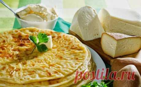 Стопка ароматных лепешек за полчаса: вкуснейшие хычины по специальному рецепту  Если любите лепешки, то этот рецепт для вас!Хычины— неотъемлемая составляющаякухни Северного Кавказа. Вариантов начинок может быть много, но наиболее традиционная — из сыра с зеленью.  Хычины с сы…