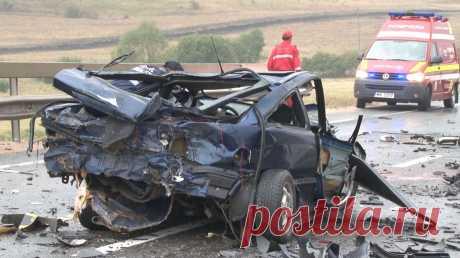 Fondul despre care nu ştiu toţi! Cum poţi solicita bani, fiind victimă a unui accident În Republica Moldova au loc anual mii de accidente rutiere și nu puțini sunt șoferii care riscă să circule fără polițe de asigurare obligatorie sau își cal
