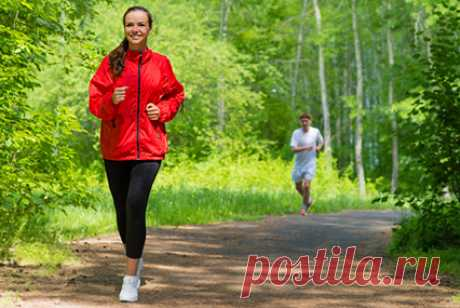 О пользе ходьбы: как превратить прогулку в тренировку Тренироваться на свежем воздухе полезно. А вот приятно, увы, не всегда. На пороге осень, с дождями и первым холодом. Бегать, кататься на велосипеде или подтягиваться на турнике многим будет некомфортно. Но гулять мы по-прежнему будем с удовольствием. Давайте подумаем, как получить больше пользы о...