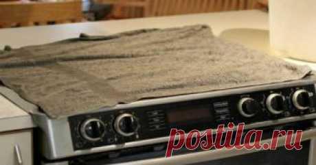 Узнав, зачем хозяйка накрыла плиту влажными полотенцами, ты побежишь на кухню, чтобы сделать также  Действительно работает! Чистота кухонной плиты — больная тема практически для каждой хозяйки. С каждым приготовлением пищи отчистить ее от старых загрязнений всё сложнее и сложнее. К тому же за такой…