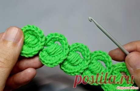 Необычный шнур крючком (описание, видео) Всем привет! Хочу поделиться с вами описанием и видео МК по вязанию декоративного шнура крючком. Этот шнур выглядит объемным и необычным, благодаря интересному приёму вязания.
