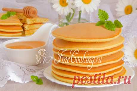 Hotkeyki Hoy preparamos hotkeyki — los buñuelos americanos, que se acercan maravillosamente para el desayuno o la merienda en el seno de la familia.