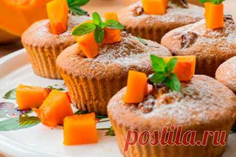 Кексы с тыквой и морковью. Вкусно, просто и доступно Кексы с тыквой получаются в меру сладкие с приятным ароматом. Готовится кекс не с пюре, а свежей тыквой и морковью. Получаются очень нежные и прекрасно подойдут к завтраку.