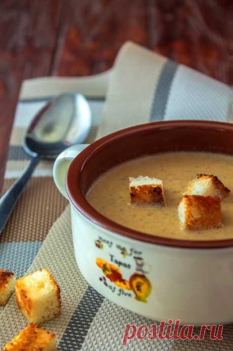 Грибной крем-суп с чесночными сухариками - Образованная Сова