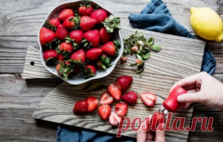 10 propiedades únicas de la fresa, que no adivinabais la fresa Jugosa y perfumada se hacía para muchos el más ofrecimiento querido. Pero además del gusto inconfundible estas bayas brillantes poseen una serie entera de las propiedades útiles.