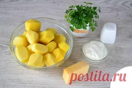 Картофель со сметаной и сыром на сковороде | TOPPOVAR