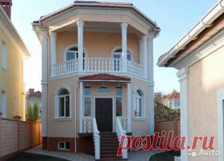 Дом 360 м² на участке 8 сот. Продаётся дом в Севастополе Гагаринский район на ул.Жасминная — одна из самых престижных улиц частных домов в городе.  дом представлен на трёх уровнях, на первом уровне — кухня, гостиная, спальня, кабинет, просторный холл и санузел; на втором уровне — д...
