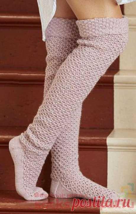 """Теплые вязаные чулки от дизайнера Lisa Richardson переведены из журнала """"Simply Knitting"""" Теплоножкой."""
