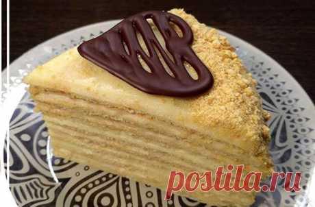 Торт на сковороде, тающий во рту «Творожный пломбир» Приготовить вкусный и нежный торт можно и без духовки, сегодня мы решили порадовать вас рецептом торта, который готовится на сковороде. Коржи получаются нежными и мягкими, а нежный крем напоминает мороженное пломбир.