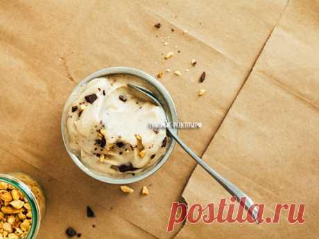 Мороженое из банана в блендере с арахисовой пастой