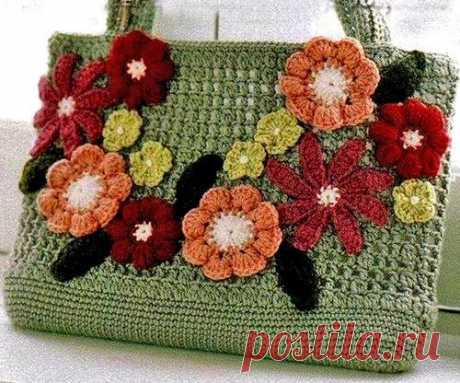 Knitted bag a hook through a shoulder. A summer small handbag a hook | Housekeeping for all family.