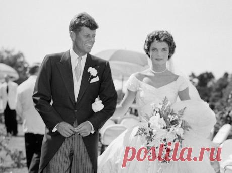 Почему буквы в алфавите расположены именно в таком порядке?.