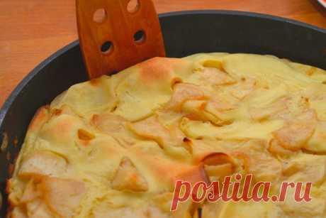 Нежный десерт с хрустящей корочкой — немецкий яблочный панкейк.