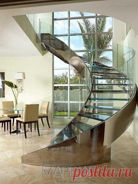 Лестницы, ограждения, перила из стекла, дерева, металла Маршаг – Винтовая лестница с ограждений из моллированного стекла