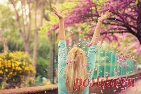 Молитва Джозефа Мэрфи для исполнения желаний — она творит чудеса Запишите от руки свое заветное желание. Ниже напишите эту молитву. Молитву читайте после пробуждения и перед сном 15 минут 2 недели. Исполнится любое желание, которое никому не вредит.  «Все …