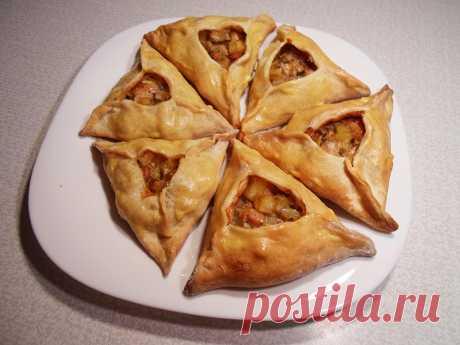Национальное татарское блюдо Эчпочмак