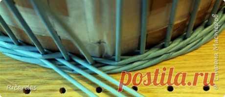 Незаметный переход веревочки в 3 трубочки. Плетение из газет. мк