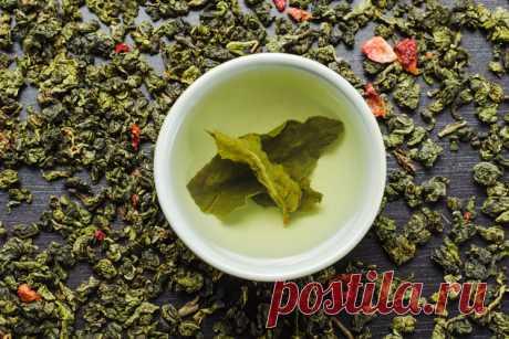 Улун или бирюзовый чай: его свойства и характеристики В этой статье мы рассмотрим всё об улунских чаях, а именно: какие бывают виды улунов, чем они ценны и как их изготавливают, органолептические показатели различных видов улунов, а также как правильно заварить и хранить такие чаи …