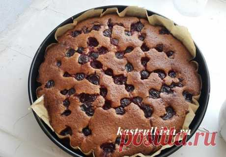 Вкусный вишневый пирог на скорую руку со свежей или замороженной вишней