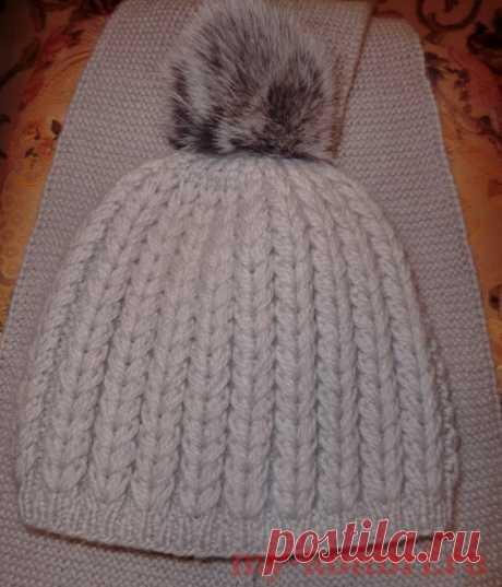 Вязание шапки спицами рельефным узором «Колоски» - Колибри Сезон холодов не за горами, и самое время пополнить гардероб наших деток теплыми вязанными шапочками