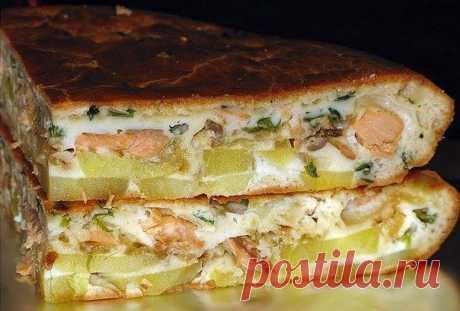 Рыбный заливной пирог с картошкой. Тесто нежное, начинка сочная!  Ингредиенты: Яйца — 3 штМука — 1 стСметана — 0,5 стМайонез — 0,5 стСода гашенаяСоль, перецКартофель — 4-5 шт.Рыба г/к ~300гр.или консервы — 2шт. (или горбуша горячего копчения)Лук репчатый — 1-2 шт. …