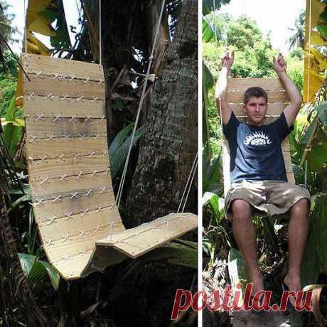 Удобное кресло-гамак из поддонов.