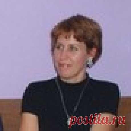 Елена Новоженина